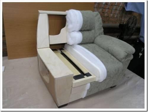 Как перетянуть диван своими руками? Узнайте о том, как выполнить реставрацию самостоятельно.
