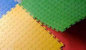 Преимущества модульного напольного пластикового покрытия