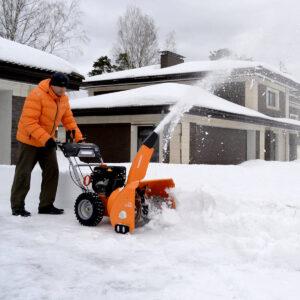 Преимущества использования снегоуборщика